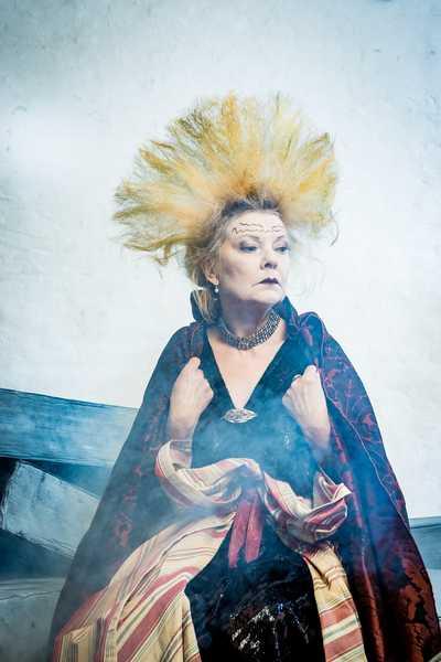 Cornelia Köndgen (Leonata) Viel Lärm um Nichts Festspiele Stockerau