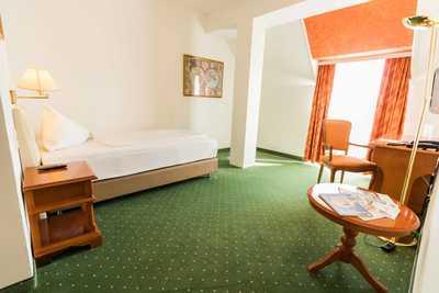 Gemütliches Zimmer im Hotel Dreikönigshof in Stockerau