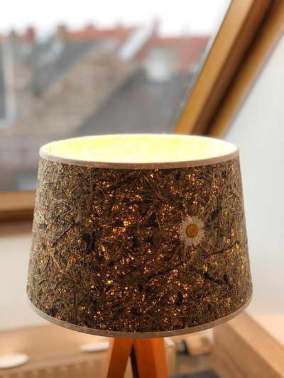 Neue Lampe beim Zimmerumbau im Hotel Hopfeld