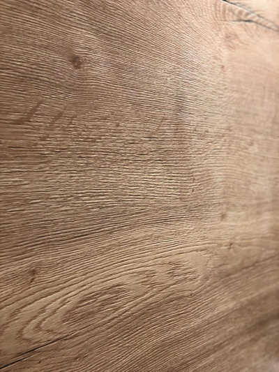 Holzwand beim Zimmerumbau im Hotel Hopfeld