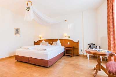 Geräumige Hotelzimmer im Dreikönigshof