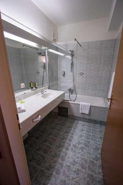 Großzügige Badezimmer im Hotel Dreikönigshof