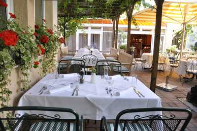 Dreikönigshof Stockerau - Gastgarten Restaurant