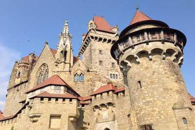 Burg Kreuzenstein Weinviertel - Hopfeld Dreikönigshof