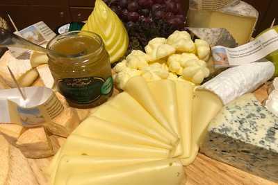 Käsevariation beim Familienbrunch im Dreikönigshof