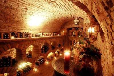 Weinkeller im Dreikönigshof in Stockerau