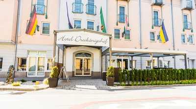 Familie Hopfeld Hotel Dreikönigshof Stadthotel in Stockerau